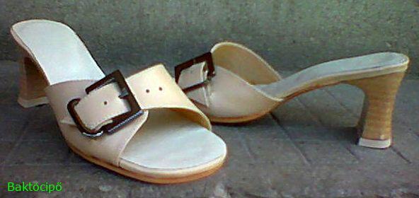 Női csatos divatpapucs,42-45-ös méretig