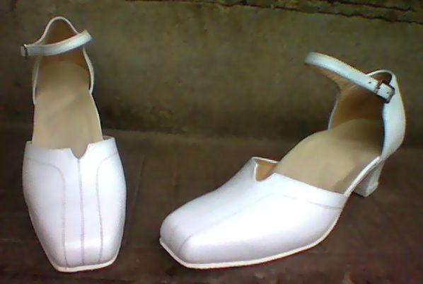 Divatos női bőr cipő 2. ,42-45-ös méretig.