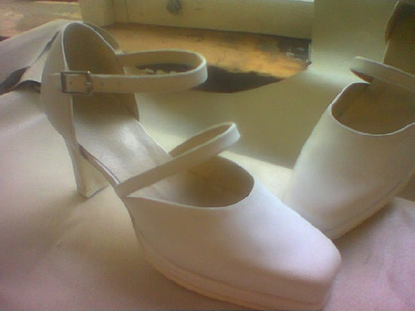 Női pántos cipő,42-45-ös méretig