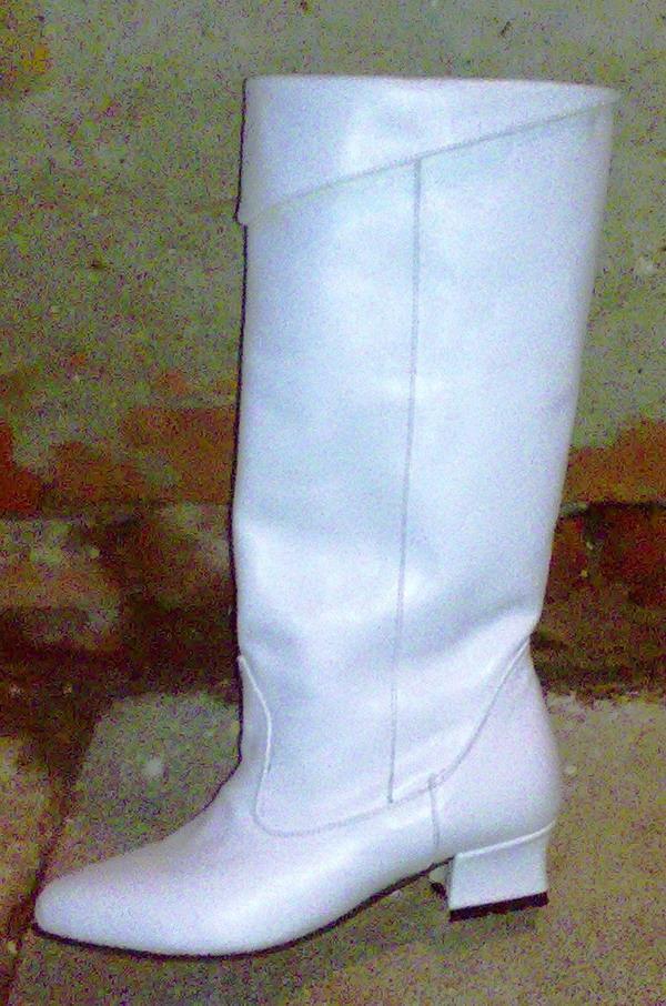 Női mazsorett csizma gallérral,valódi bőr felsőrész35,36,37,38,39,40-es méretek