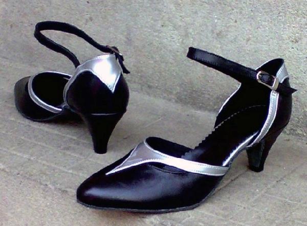 Női alkalmi cipő,42,43-as méretek