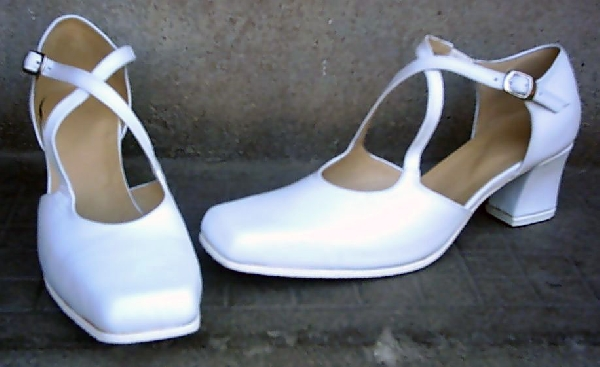Női keresztpántos cipő,37-41-es méretig