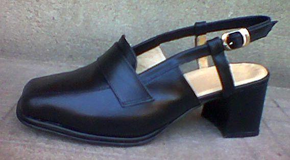 Női cipő nyitott sarokrésszel,42-45-ös méretig