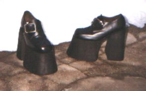 Női magastalpú félcipő,42-45-ös méretig